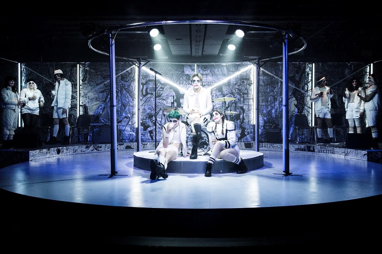A Clockwork Orange - foto: Aarhus Teater/Anna Marín Schram